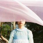 [Single] TOMOO – ⾵に⽴つ (2020.04.25/AAC/RAR)